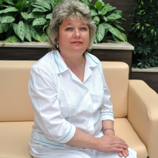 Кузнецова Наталья Николаевна – медсестра по массажу.