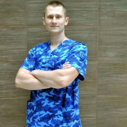 Лизогубов Артем Викторович – медбрат по массажу.
