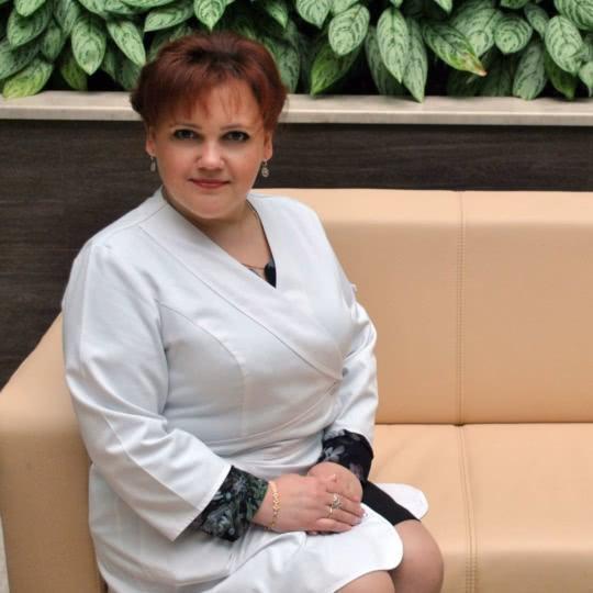 Максимова Людмила Викторовна - старшая медсестра