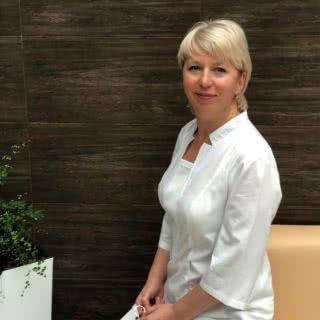 Сафонова Елена Валентиновна – заведующая 3-неврологическим отделением