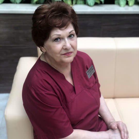 Соловьева Валентина Марксовна – процедурная медсестра.